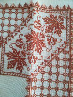 Cross Stitch Borders, Cross Stitch Art, Cross Stitch Designs, Cross Stitch Embroidery, Hand Embroidery, Cross Stitch Patterns, Linen Napkins, Needle And Thread, Blackwork