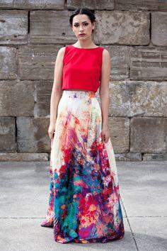 Falda larga estampada en varias tonalidades de verdes, azules y lila. #apparentia #apparentiagijon #invitadasboda