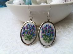 Lavender earrings with hand embroidery are very delight and romantic accessories. Embroidery is made on linen fabric of natural color with cotton floss. Purple Earrings, Dangle Earrings, Pendant Necklace, Hand Embroidery Stitches, Embroidery Patterns, Oval Pendant, Linen Fabric, Dangles, Lavender
