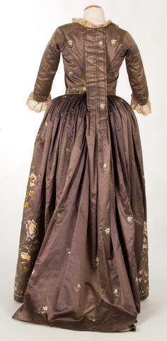 robe a la piemontaise 1770-1790