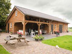 Garage Met Overkapping : 78 beste afbeeldingen van houten schuur backyard patio gardens en