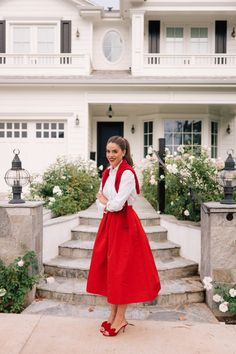 Four Different Winter Looks That Add A Pop Of Red Estilo Preppy, Estilo Retro, Winter Looks, Winter Style, Style Personnel, Gal Meets Glam, Looks Chic, Winter Outfits Women, Feminine Style