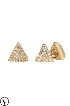 Experience déjà vu in the best way possible. These go-with-everything studs can be worn as a structural pyramid, or reversed for some pavé sparkle. Wear Them Multiple Ways.