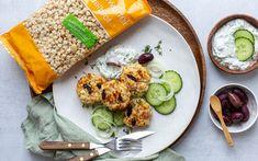 Kaspressknödel mit Semmelwürfel von LAND-LEBEN und Tsatsiki Easy Meals, Life, Recipies