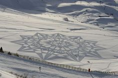 Snow art by Simon Beck , Les Arcs France