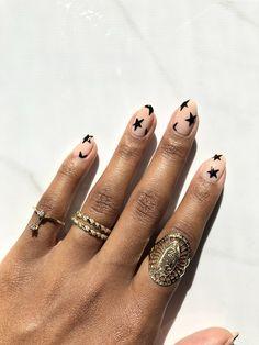nailsnail artnails art ideasbridemaid nailsnail art designsnail art inspirationdiy nails at homenail designs artat home nailsweddig nailsdesigner nail artpretty nailsfack nailsbeautiful nail artart nails designcolorful nail artawesome nail artart nailshow to nail artfra Chic Nails, Stylish Nails, Fabulous Nails, Perfect Nails, Hair And Nails, My Nails, Star Nails, Star Nail Art, Minimalist Nails