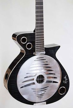 Pagelli // Convertible Guitar