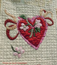 close up, Vintage Valentine by Sherall Donovan, 2014 Tucson Quilt Fiesta, photo by Quilt Inspiration.  Design by Verna Mosquera