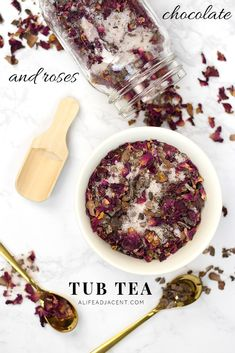 Learn to make this luxurious chocolate and roses DIY tub tea. It contains all-natural ingredients that are soothing to your skin and to your senses!