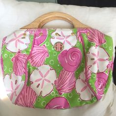 Lilly Pulitzer tote handbag with wooden handles Green and pink seashells and sand dollars! Super cute LILLY design in very nice shape Lilly Pulitzer Bags Totes