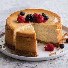 OmahaSteaks.com, Inc. 2 (6 in.) Premium New York Cheesecake (4 lbs.) (41615)