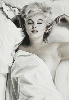 Marilyn Monroe Life, Marilyn Monroe Photos, Divas, Woman Movie, Robert Doisneau, Michelle Pfeiffer, Classic Actresses, Norma Jeane, Voluptuous Women