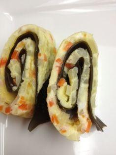 Eating Dinner With My Family: Korean Rolled Egg Omelette (Gaeran Mari)