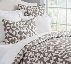 Triangle Print Quilt & Pillowcase