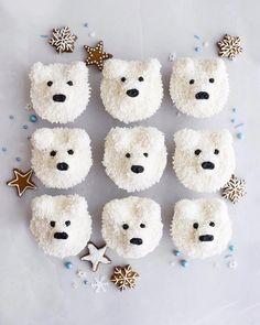 Polar Bear cupcakes for Mase's Birthday 🎁 Beer Cupcakes, Cupcake Cookies, Winter Christmas, Christmas Time, Merry Christmas, Christmas Treats To Make, Christmas Cakes, Christmas Desserts, Sugar Cake