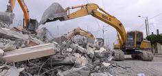 La demolizione fabbricati civili devono essere realizzate con la stessa attenzione e professionalità che si ritengono essenziali durante le fasi di costruzione. http://blog.csa-srl.it/demolizione-fabbricati-civili/ #demolizione #demolizionefabbricati #demolizionecivile