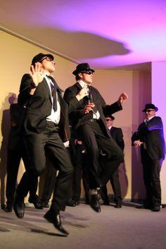 die Blues Brothers auf einer Weihnachtsfeier in Vordorf