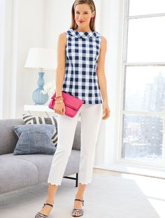 A portrait collar adds instant polish to our Audrey Neck Shell. The oversized gingham print is a refreshing twist on the classic style and pairs perfectly with our Talbots Chatham Crops! 50 Fashion, Fashion Week, Plus Size Fashion, Style Fashion, Fashion Dresses, Fashion Tips, Edgy Outfits, Classy Outfits, Trendy Swimwear