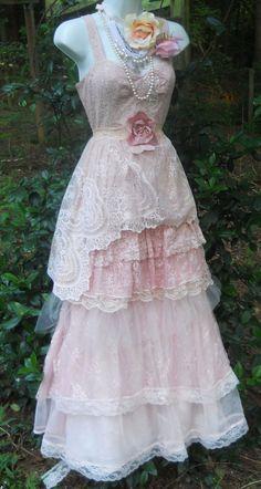 Blush lace dress tulle  wedding beaded van vintageopulence op Etsy, $180.00