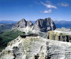 Sass Pordoi: ponto panorâmico número 1 nas Dolomitas!  #dolomitas #itália #roteiros #viagens
