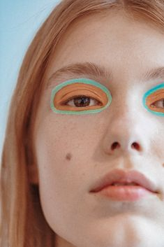 From Tom Fords smokey eye to the Marc Jacobs glitter one here are all the best beauty looks from NYFW FW Makeup Inspo, Makeup Art, Makeup Inspiration, Makeup Tips, Eye Makeup, Hair Makeup, Cool Makeup Looks, Runway Makeup, Aesthetic Makeup