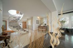 A spectacular fully detached Duplex Penthouse located in the heart of St Julians and commanding lovely views of the picturesque bay at Spinola. For more information visit the website: http://www.franksalt.com.mt/Search/PropertyDetails.aspx?ref=810833