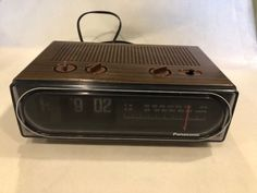 dfd8b6077cff8 Panasonic RC-6015 Flip Clock AM FM Radio 1970 s Seen In Back To The