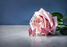 Flora collection, pink gold, sapphires and diamonds. #flora #arsublime #closeup #gioiellitaliani #roma #italianartisanaluxury #passion #goddess #spring #sapphires #butterflies #designjewelry