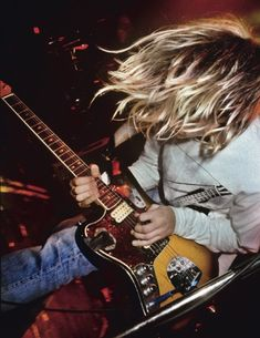Kurt Cobain, greatest frontman of the and rock/punk aka Grunge songwriter of all time. I Love Music, Music Is Life, Good Music, Dave Grohl, Grunge, New Wave, Banda Nirvana, Heavy Metal, Donald Cobain