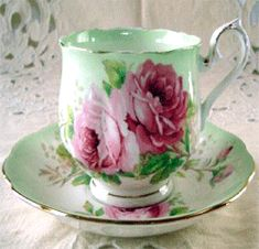 Royal Albert - un named American Beauty hampton shaped teacup Antique Dishes, Vintage Dishes, Vintage Teacups, Royal Albert, Cup And Saucer Set, Tea Cup Saucer, Teapots And Cups, China Tea Cups, My Cup Of Tea