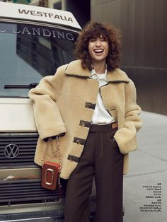 Classic West Village: Ana Arto by Jerome Corpuz for Elle China December 2017 Casual Outfits, Fashion Outfits, Womens Fashion, Shearling Jacket, Style Snaps, Mode Style, Outerwear Women, Everyday Fashion, Autumn Winter Fashion