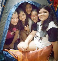 Hoje tem noite do pijama com direto a barracas no quintal e muita farra! . . Tem 7 crianças na minha casa! SOU DOIDA? Sim ou com certeza?  . . #pjparty #festadopijama #feriado #sundayfunday #sunday #domingo