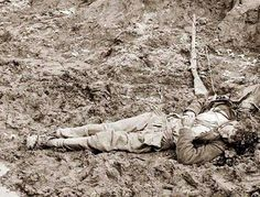 Petersburg, Virginia. Dead Confederate soldier outside the walls of Fort Mahone. It was taken in 1865 by Roche, Thomas C.,