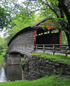 One day I would love to see this humpback bridge up close.Wonderful character in this bridge. Photo: Beautiful, humpback covered bridge in West Virginia ❤ Old Bridges, Virginia Is For Lovers, Old Barns, Covered Bridges, West Virginia, Covington Virginia, West Va, Key West, Richmond Virginia