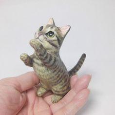 遊ぶキジトラ猫|置物|猫ハウス|ハンドメイド通販・販売のCreema