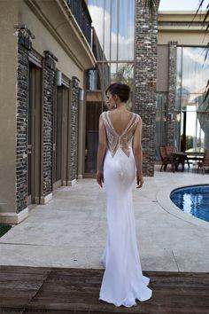 Back details on Nurit Hen 2015 Bridal collection. #wedding #bridal #nurithen