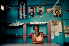 Google Image Result for http://www.jansochor.com/photo-essay/comandante-and-the-people/che-fidel-chavez-cuba.jpg
