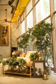 RUSTIC CONTEMPORARY / WEDDING | ARCH DAYS Wedding Images, Wedding Themes, Wedding Welcome Board, Wedding Stage Backdrop, Rustic Contemporary, Botanical Wedding, Pretty Lights, Wedding Table, Backdrops