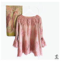 Kebaya Indonesia modern lace top brokat cornelly tulle tile long sleeve baju bodo IG : @eiwaonline