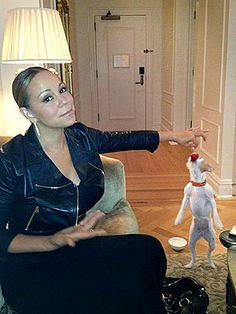 Mariah Carey pampers her pups with strawberries. Read more: http://www.peoplepets.com/people/pets/article/0,,20603973,00.html