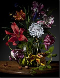 Beautiful floral still life by Dutch photographer Bas Meeuws, captured with a digital reflex camera. So 17th Century Dutch Masters.