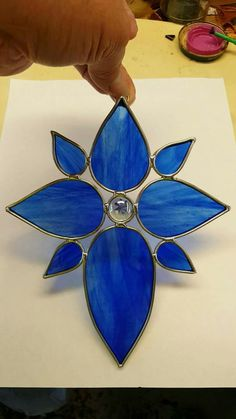 Stain Glass Cross, Stained Glass Paint, Stained Glass Ornaments, Stained Glass Christmas, Stained Glass Suncatchers, Stained Glass Flowers, Stained Glass Panels, Stained Glass Projects, Leaded Glass