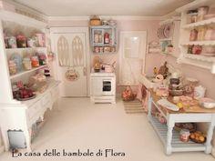 la casa delle bambole di flora: The Robin Nest Cottage
