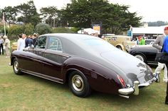 Rolls Royce Phantom V Touring Limousine (James Young)