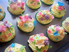 cupcakes | Vintage Rose Garden