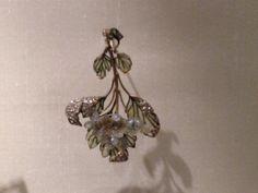 "Lalique  1899-1901 ""Hawthorn Blossom"" Pendant: gold/ glass/ enamel/ diamonds. Calouste Gulbenkian Museum"