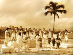"""No dia 7 de junho, às 21h, o maestro Letieres Leite e a Orkestra Rumpilezzse apresentam noAuditório do Ibirapuera. O show, queleva as raízes rítimicas afro-baianas por meio da harmonia do jazz, tem entrada Catraca Livre. A banda instrumental de percussão e sopros traz composições que têm como referência histórico-musical as grandes agremiações percussivas como...<br /><a class=""""more-link""""…"""