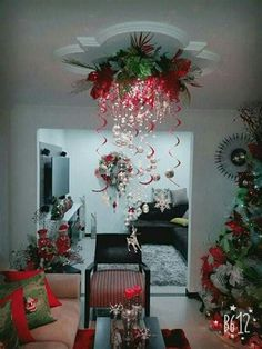 40 Fabulous Christmas Chandelier Ideas to Beautify Your Home Decoration Indoor Christmas Decorations, Decorating With Christmas Lights, Christmas Themes, Holiday Decor, Christmas Door, Christmas Wreaths, Merry Christmas, Christmas Chandelier, Christmas Projects