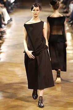 Yohji Yamamoto Spring 2003 Ready-to-Wear - Collection - Gallery - Style.com