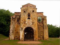 San Miguel de Lillo La iglesia prerrománica de San Miguel de Lillo , dedicada a San Miguel Arcángel, fue mandada a edificar hacia el 842 por el rey Ramiro I en el Monte Naranco, en los alrededores de Oviedo. Se encuentra a escasos metros de Santa María del Naranco.